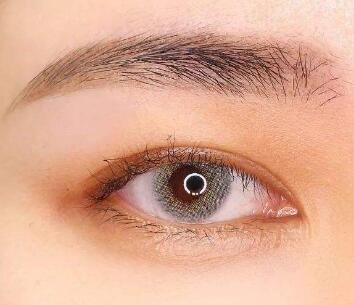 激光去眼袋安全吗 上海明桥整形医院有效消灭眼袋问题