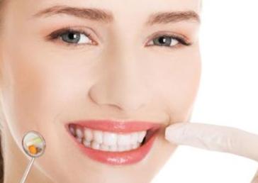 牙齿矫正需要拔牙吗 兰州时光整形医院杜海英让笑容更灿烂