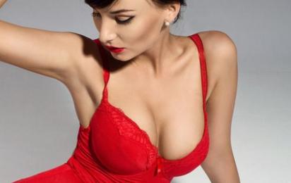 假体隆胸后多久可以洗澡 南京康美整形罗盛康打造性感双峰
