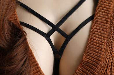 隆胸假体取出胸部会下垂吗 广州海峡整形闫爱跃隆胸安全吗