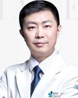 成都美绽美整形美容医院陈宇开眼角手术 技术专业吗