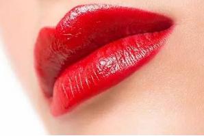 昆明达美美容整形医院 纹唇起泡怎么快速消除