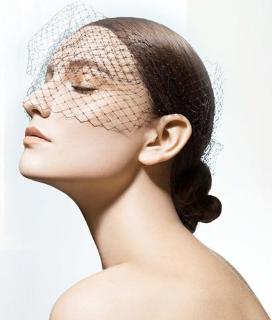 长沙彩光嫩肤 爱思特整形知名专家褚健手法精细 改善烂脸