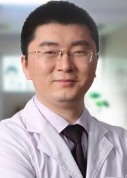 假体隆鼻的优势 广州紫馨整形医院包奎塑造翘美鼻型