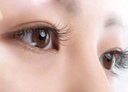 苏州附一医院整形科钟蕾做上睑下垂矫正术 眼睛放光彩