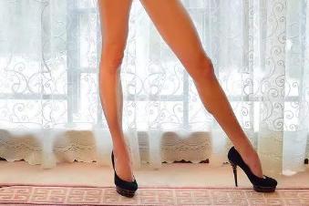 武汉顶吉整形医院腿部吸脂对抗腿部脂肪 让腿部更纤细