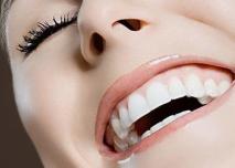 全口种植牙使用寿命 成都博爱医院口腔易红口碑好吗