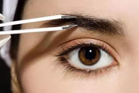 重庆长城医院植发科种眉毛要多少钱 手术安全吗