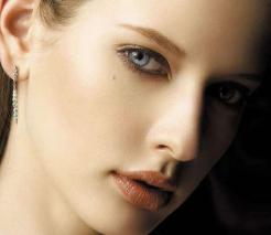 【祛疤科普】重庆美仑美奂整形黄华激光祛疤美丽不留痕