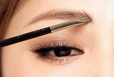 眉毛种植的效果 郑州华山医院植发整形梁爱峰经验丰富