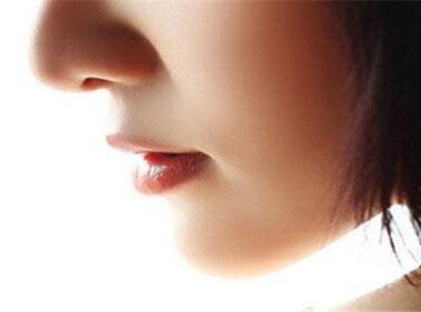 鼻子不够有型高挺怎么办 沈阳百嘉丽整形假体隆鼻效果